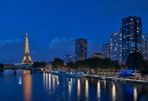 Iluminación coordinada de las orillas del Sena