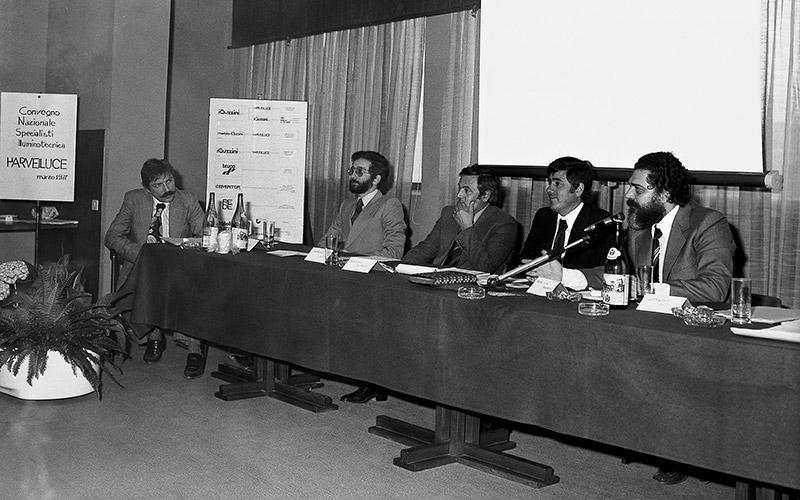 1977 - 1977_WEB