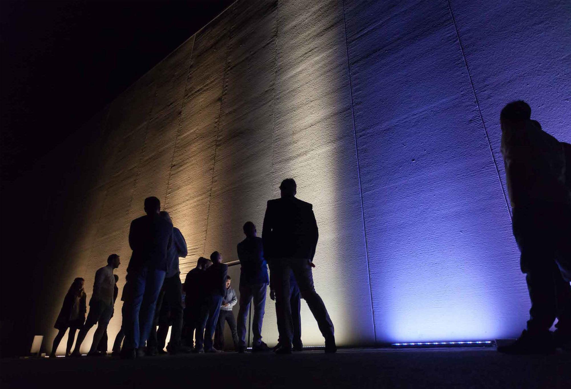 Illuminazione Esterna Iguzzini : Iguzzini lighting innovation for people